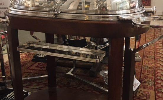 (Français) Table à boeuf-ancienne-en métal argenté-structure en bois teinté acajou